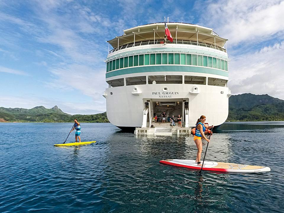 luxury Tahiti cruise ship that brings you up-close to this special paradise as no other vessel can