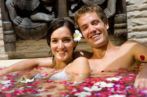 Hot Deal for your luxury Tahiti Honeymoon Vacation; Le Taha'a Island Resort