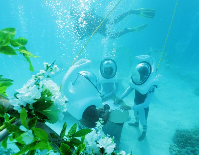 Bora Bora Underwater Wedding