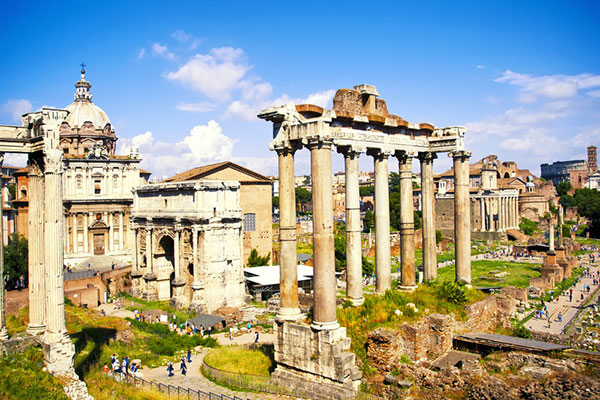 Sight seeing in Rome - The Roman Forum