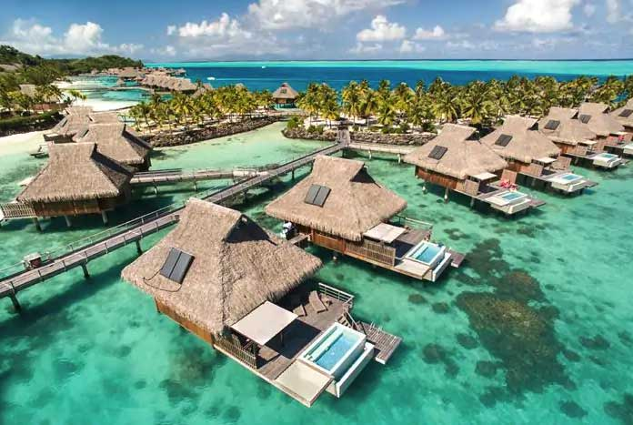 Spectacular overwater villas on your Bora Bora Vacation