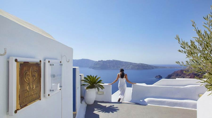 Kirini Suites & Spa - Kirini Santorini takes the word luxury into a whole new level